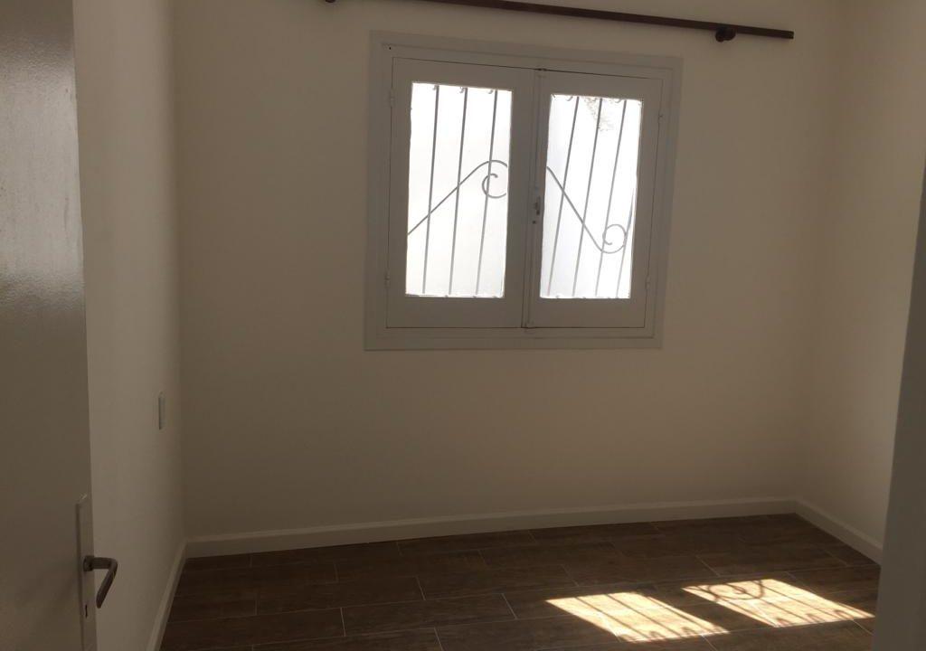 243-Casa alquilar en frente BIT-Colonia-Dormitorios-Fondo